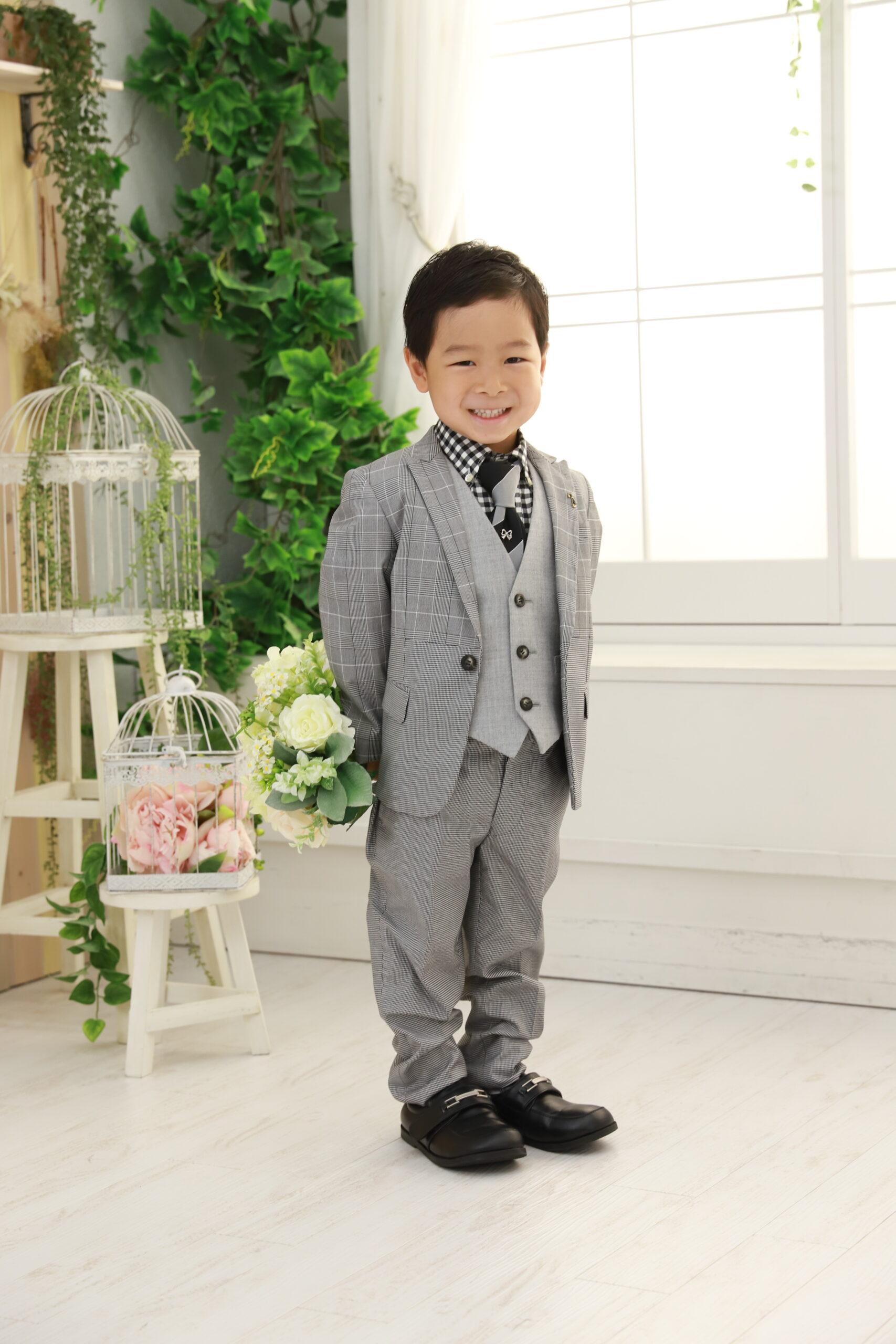 5歳の七五三(スーツ・グレー)