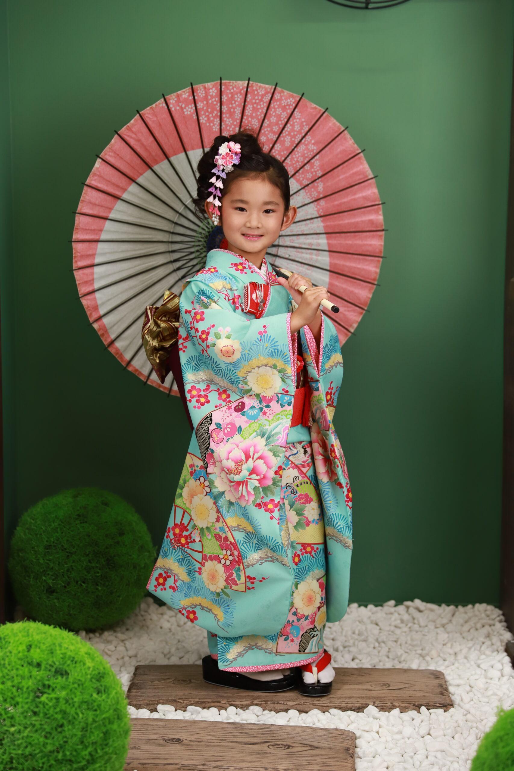 七五三 7歳の着物 豊富な衣装から水色をチョイス